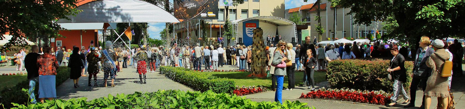 Sveiki, Molėtiškiai ir miesto svečiai, mylintys Molėtus,