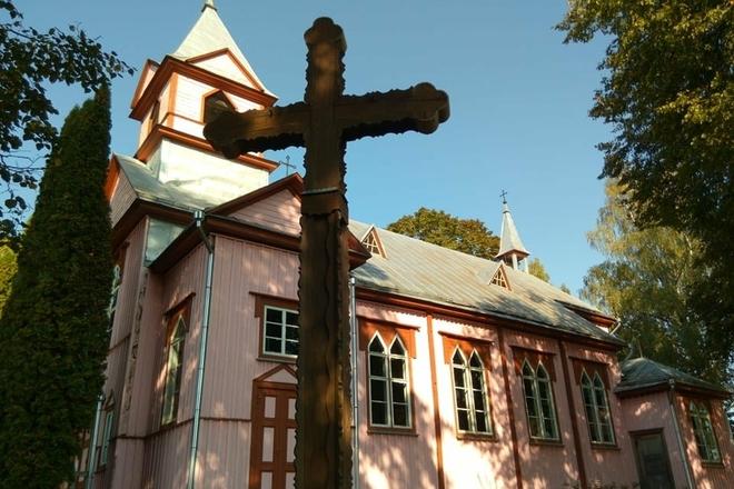 Bijutiškio Šv. Onos bažnyčia