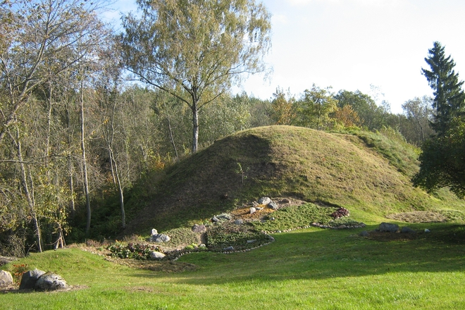 Antakščių piliakalnis