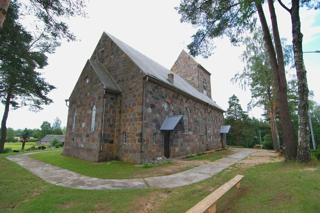 Die Kirche in Stirniai