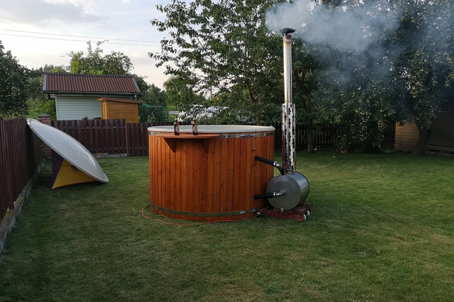 Hot tub rental