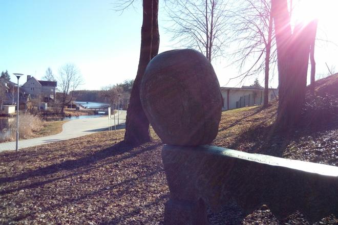 """Skulptur """"Stein für Sisyphus"""""""